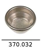 370032